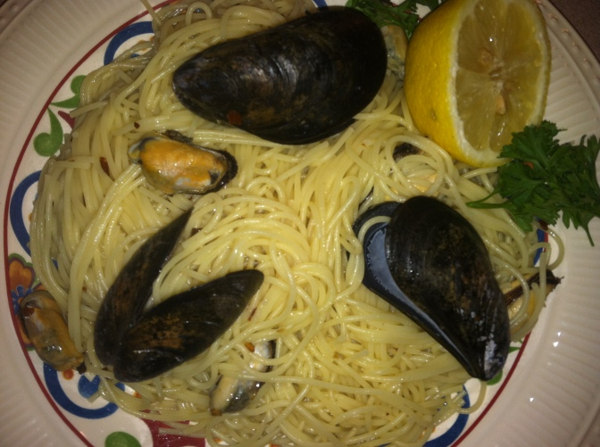 Mussels with Garlic & White Wine (Cozze di Puglia)