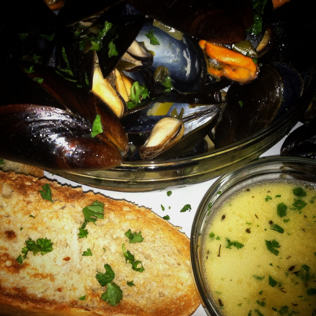 Moules a la Mariniere | Spirits + Thyme