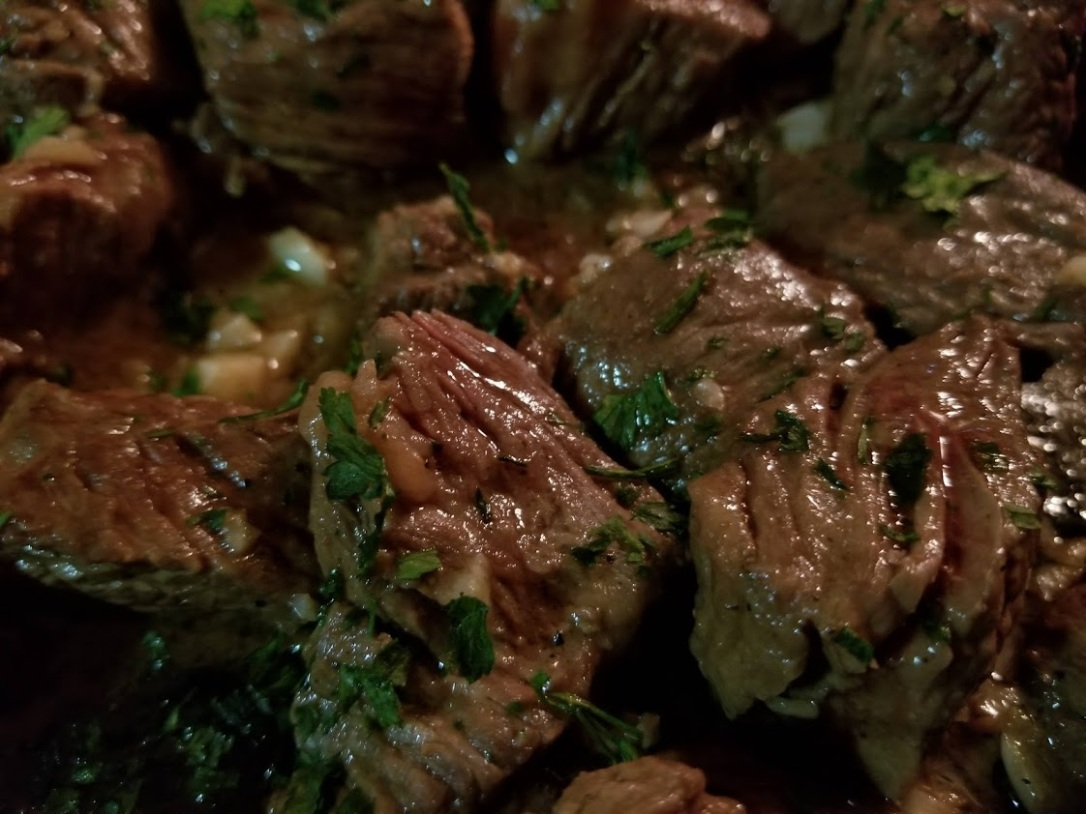 garlic butter + white wine steak bites 2