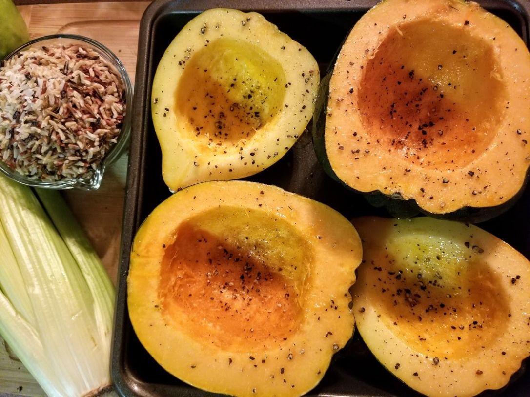 sausage apple + wild rice stuffed acorn squash 3